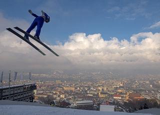 Das Sportjahr beginnt in Tirol mit dem Showdown der weltbesten Skispringer am Bergisel!