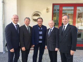 Amtmann Ewald Peischl (Mitte) mit seinen (Ex-)Chefs Wolfgang Sodl, Anton Fetz, Otto Holper und Karl Konrath.