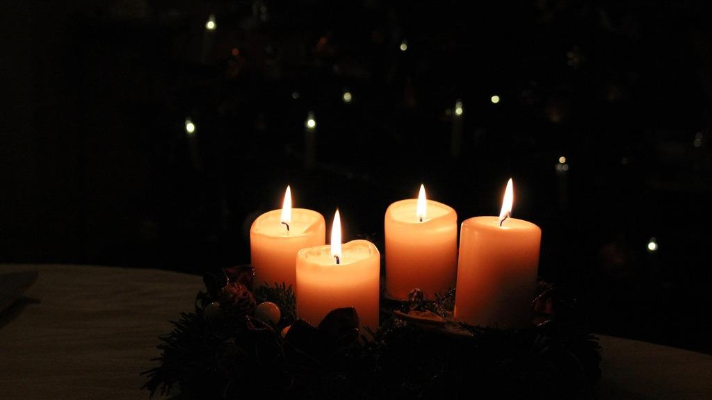Die 4 Kerzen.Weihnachtsgeschichte Die Vier Kerzen Bruck An Der Mur