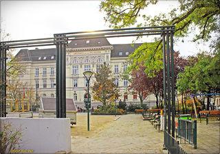 Einen offenen Bücherschrank beim Amtshaus am Richard-Wagner-Platz wünschen sich die Grätzelbewohner.
