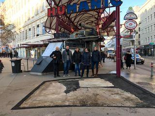 Vor der verbliebenen Lücke: Heribert Rahdjian (ECHT), Christoph Schiedlbauer (FPÖ), Markus Trenker (Grüne), Veronika Mickel-Göttfert (BV), Stefanie Vasold (SPÖ)