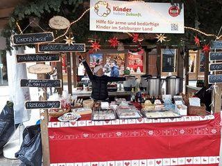 """Der Verein """"Kinder haben Zukunft"""" sammelte Spenden am Alten Markt"""
