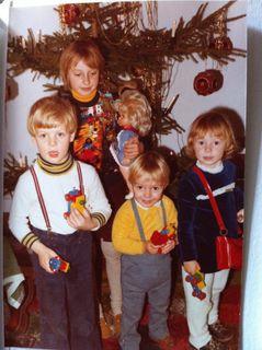 Meine Kleinen 1977: Barbara, Verena, Martin und ein Gastkind