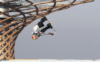 So spektakulär flogen die Boarder in Mailand durch die Luft.