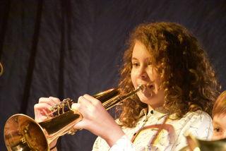Adventsingen der Musik-Mittelschule Saxen.