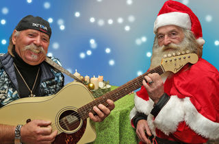 Die Alleinunterhalter (dieses mal zu zweit) FERNANDO & CENTAURI ALPHA wünschten einen schönen 4. Advent & Frohe Weihnachten!