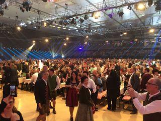4600 bestens gelaunte Partytiger feierten über viele Stunden den Silvester in der Stadthalle in Graz bis in den frühen Morgenstunden.
