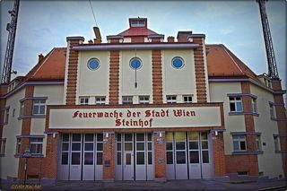 Die Feuerwache am Steinhof im typischen Baustil der 20er Jahre.