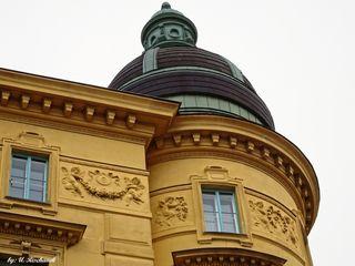 Besonders detailreiche Fassadengestaltung an einem wunderschönen Gebäude 1010 Wien, Lobkowitzplatz 1