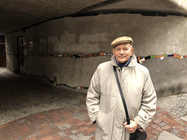 Nabil Sarwat wohnt seit über 30 Jahren, seit der Fertigstellung des Gebäudes, hier.