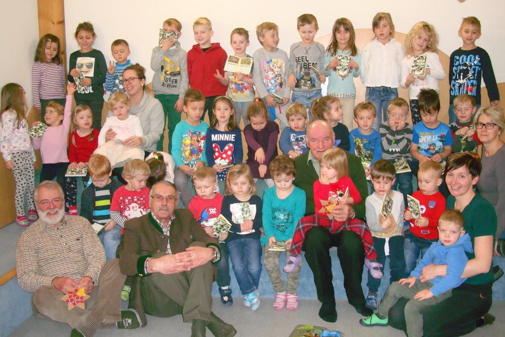 Jagerbesuch In Volksschule Und Kindergarten Gastern Waidhofen Thaya