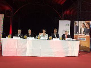 Bei der Pressekonferenz: Gerhard Hirczi (Wirtschaftsagentur Wien), Sigrid Oblak (Wien Holding), Renate Brauner (Finanzstadträtin, SPÖ), Herwig Ursin (HEY-U) (v.l.).