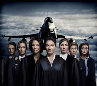 Das Frauen-Ensemble zeigt große Schauspielkunst