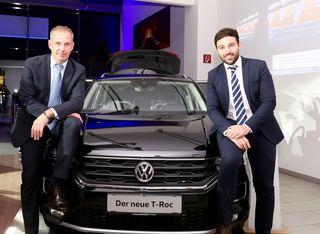 Präsentierten den neuen T-Roc: Autohaus-Weiz-Geschäftsführer Johannes Zitz mit VW-Markenleiter Patrick Schwarzbauer.