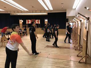 Linz Dartsportzentrum - Die Jugend beim Einspielen-