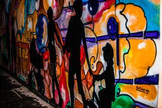 ... Graffiti im Durchgang vom Hauptplatz zum Stadtamt in Schwechat.....