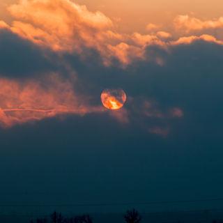 ...heute der Sonnenaufgang in Schwechat......mit Sigma 70-300mm aufgenommen....