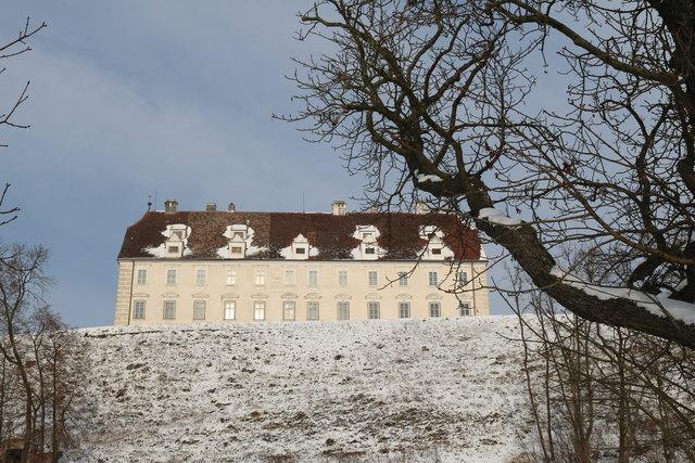 Schloss Stetteldorf - Winteransicht vom Süden.