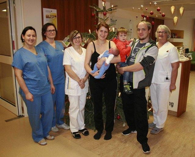 Das Neujahrsbaby, das zum Jahreswechsel im Landesklinikum in Scheibbs das Licht der Welt erblickte, heißt Dominik König.