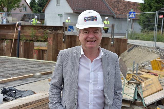 LR Anton Lang präsentiert die bevorstehenden Bauvorhaben im Bezirk Leibnitz.
