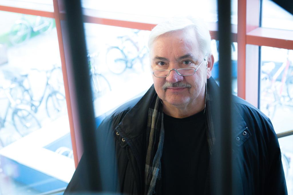 Die Musik im Blut und den Schalk im Nacken: Gerhard Wanker steht jetzt mit dem 34. Programm der Grazbürsten auf der Bühne. Bis zum 40-Jahr-Jubiläum möchte er mindestens weitermachen.
