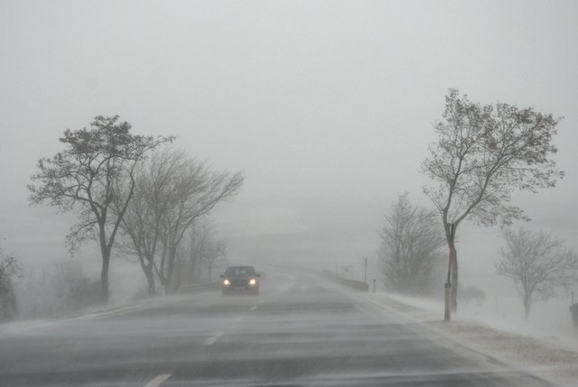 Der ÖAMTC warnt vor Glatteis: Auf den Straßen des Bezirks Scheibbs kann es zu Glatteisbildung und Scheeverwehungen kommen.