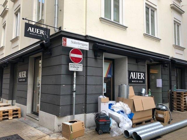 Umbauten: Martin Auer baut in seiner Filiale Schmiedgasse/Stubenberggasse um. Ab Samstag herrscht wieder normaler Betrieb.