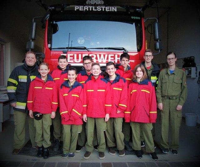 Die Feuerwehrjugend von Pertlstein zählt elf Buben und Mädchen.