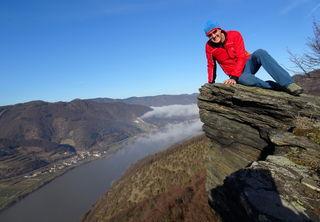 Großartiger Blick von der schwindelerregenden Tischwand ins Donautal!