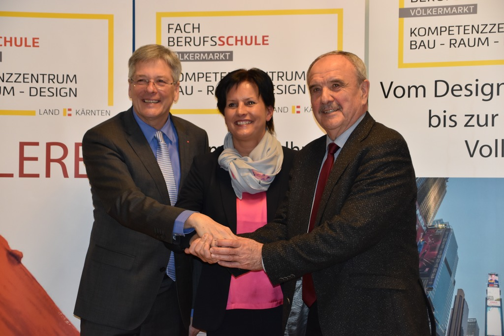 Landeshauptmann Peter Kaiser, Direktorin Waltraud Groß und Bürgermeister Valentin Blaschitz