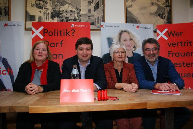 Päsentierten das SPÖ-Wahlprogramm: Irmgard Fink, Spitzenkandidat Benedikt Lentsch, Monika Rotter und Wolfgang Huter (v.l.).