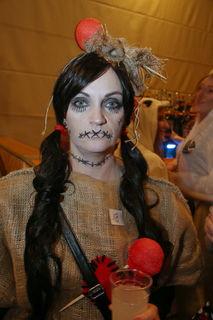 Sylvia aus Frankenburg gewann als Vodoo-Puppe die Wertung der besten Einzelmasken.