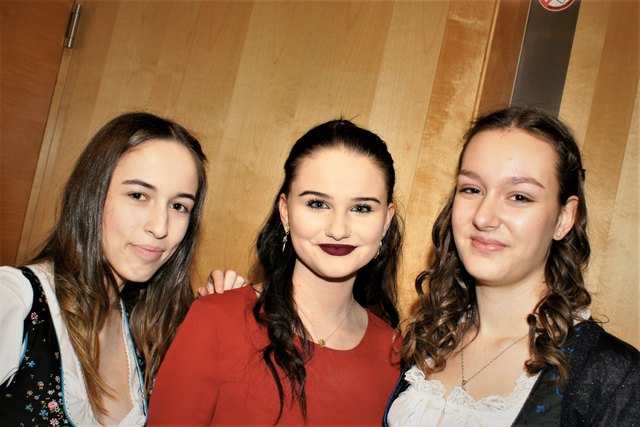 Beste Stimmung bei Elena, Timna und Alina (v.l.)