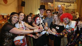 """Die größte Gruppe am Stoaninger Maskenball: """"Bobbi Circus"""""""
