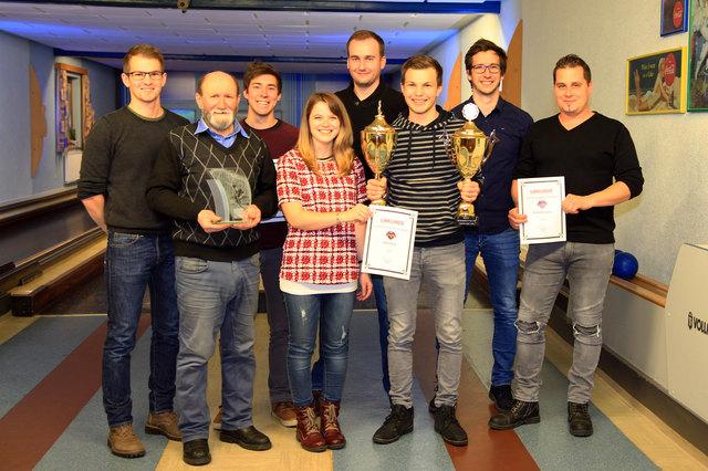 von links nach rechts: Mario Ecker, Johann Lindenbauer, Manuel Waglechner, Viktoria Groiß, Robert Frosch, Dominik Ecker, Markus Waglechner, Markus Braunsteiner
