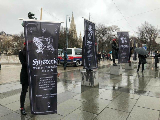 Die Burschenschaft Hysteria lud zum gemeinsamen Marsch gegen das Patriarchat.