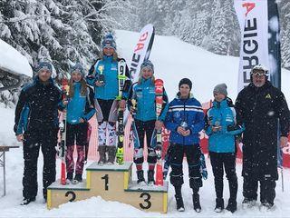 Yvonne Gadola siegt im Slalom am Sternstein beim OÖ Nachwuchscup.