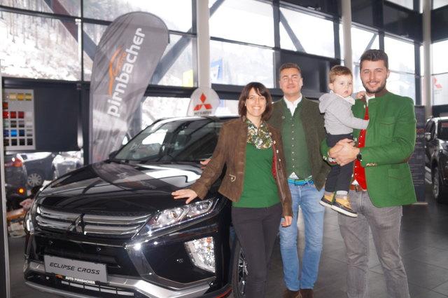 Die Familien Moldan und Dicklberger vom Autohaus Pirnbacher.