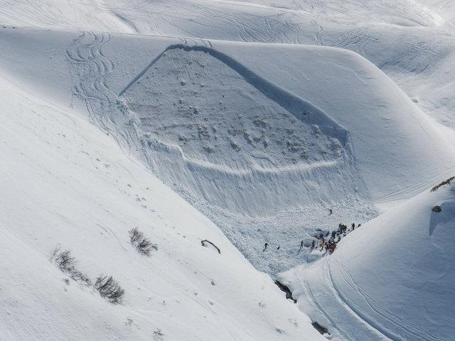 In Tirol liegt die Lawinenwarnstufe aktuell auf 5. In den kommenden Tagen beruhigt sich die Situation etwas.