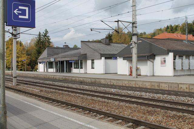 Durch den Ausbau von Park-and-Ride Anlagen soll der öffentliche Verkehr attraktiver werden.