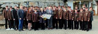 Dem Jubilar Franz Stachel wurde von der Feuerwehr Eggersdorf bei Graz zu seinem 80. Geburtstag ein Feuerschwert überreicht.