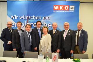 Hameder, Schultheis, Trauner, Bauer, Zwazl, Riemer, Riedl, Wiedersich.
