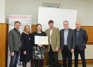 Gerhard Kroiß, Christa Raggl-Mühlberger, Alina Buchner, Karl Kainerstorfer, Peter Csar und Wolfgang Homar (v.l.).