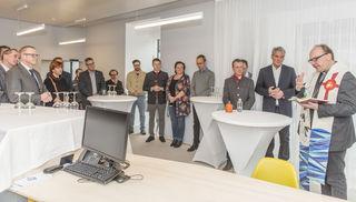 Bischof Hermann Glettler segnete die neue Kirchenbeitrag-Servicestelle in Innsbruck