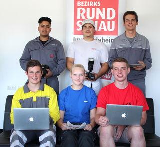 Ali Nizami, Roman Gaisbauer, David Rendl (hinten v.l.); Benedikt Haminger-Huber, Izabela Gadzina, Sebastian Kirtsch (vorne v.l.)