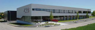 Die Firma Elmag, mit Sitz in Tumeltsham, bietet attraktive Lehrstellen und spannende Jobs.