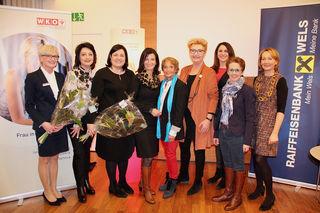 Gabriele Zeiger, Monika Herrnbauer-Thaler, Sybille Prähofer, Margit Angerlehner, Renate Pyrker, Maria Reischauer, Elke Drum, Marietta Aschauer-Kraft, Renate Katteneder (v.l.).