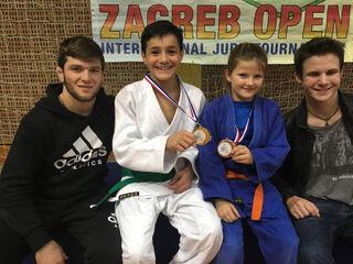 Von links: Kimran Borchashvili, Abdullah Magomerzujev, Anna Bachler und Sebastian Pehn in Zagreb.