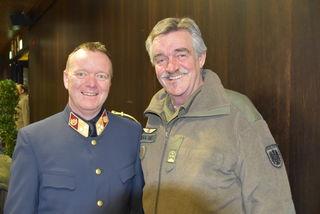 Oberst Manfred Dummer, ÖA-Leiter Polizei, Willi Tilg, ÖA-Leiter Militär