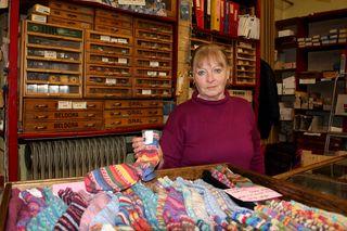 Bei Eveline Kaiser gibt´s auch die schönsten Socken von Wien - natürlich selbst gestrickt und in den buntesten Farben